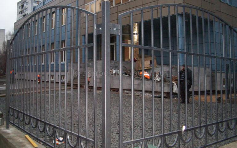 забор из профтрубы в Краснодаре